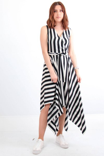 V Yaka Çizgili Elbise - 69094