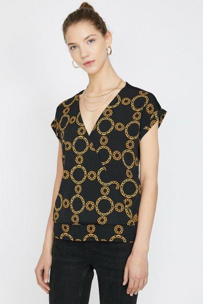 Koton Siyah Desenli T-shirt 9yak63558ek