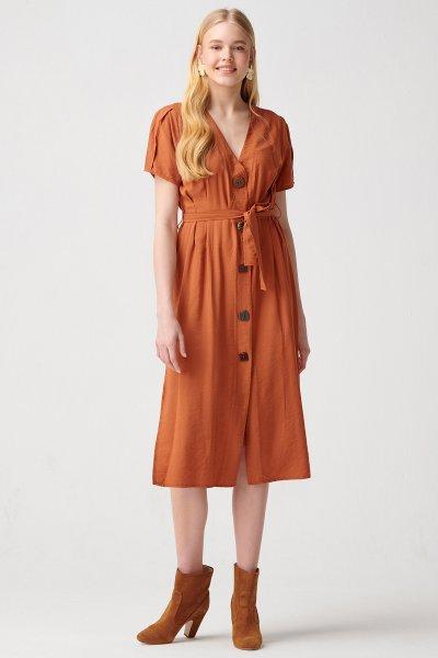 9938 Dilvin Düğme Detaylı Pileli Elbise